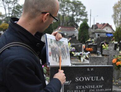 Światełko Bohaterom – szlakiem mogił żołnierzy AK na olkuskim cmentarzu