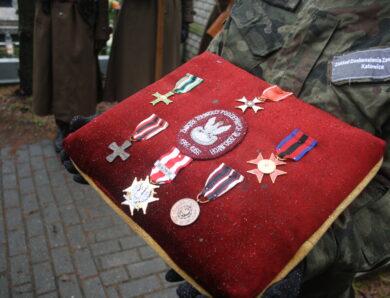 Major Bolesław Gądek pożegnany z wojskowymi honorami